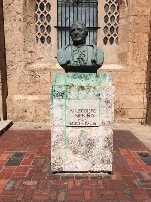 Bust of Archbishop Meriño (1833-1906) image. Click for full size.