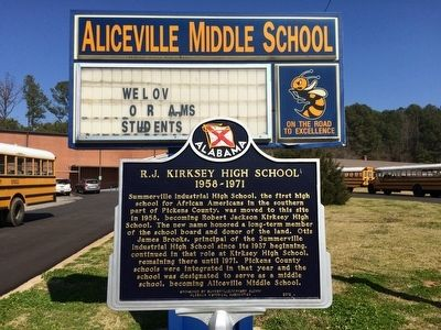Aliceville Middle School entrance sign and the marker. image. Click for full size.