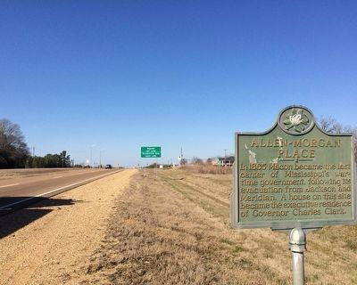 Looking north towards Mississippi Highway 14 intersection. image. Click for full size.
