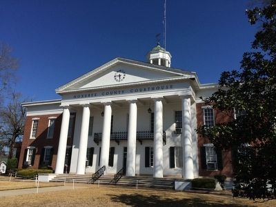 Noxubee County Courthouse image. Click for full size.