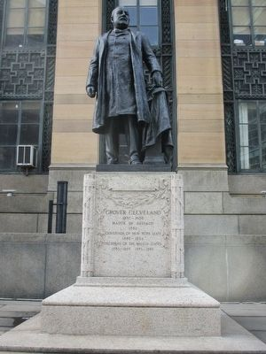 Grover Cleveland Statue image. Click for full size.
