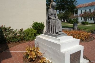 Evangeline Monument and Marker image. Click for full size.