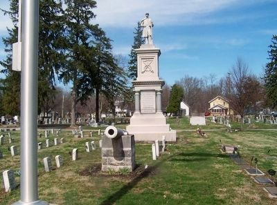 Greenville Union Cemetery Cannon & Veteran's Monumnet image. Click for full size.