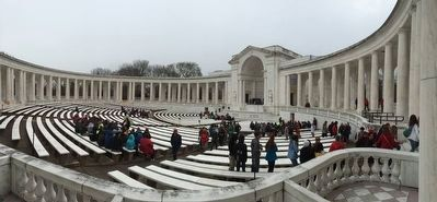 The Memorial Amphitheater near the Tomb of the Unknowns image. Click for full size.