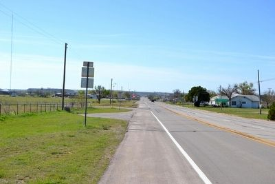 View to South on US 183/283 Towards Town of Throckmorton image. Click for full size.