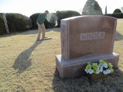 Willie A. Winder grave site image. Click for full size.