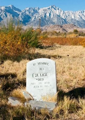 Lone Pine Pioneer Cemetery image. Click for full size.