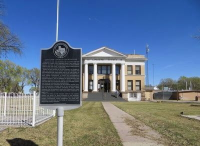 Lipscomb County Courthouse Marker image. Click for full size.