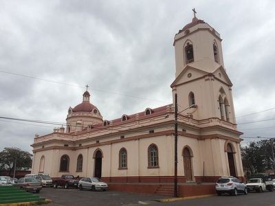 Nearby San Jerónimo Catholic Church of Masaya image. Click for full size.