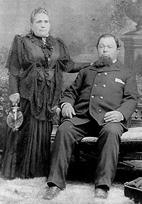 Antonio Botelho and wife image. Click for full size.