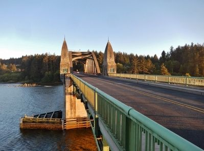 Siuslaw River Bridge image. Click for full size.