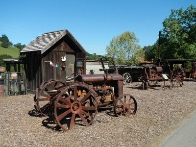 Antique farm equipment image. Click for full size.