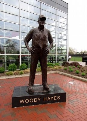 Woody Hayes Statue image. Click for full size.