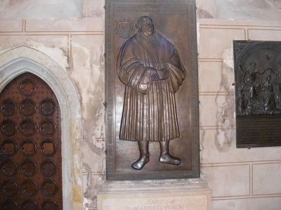 Castle Church-Martin Luther in Bronze image. Click for full size.
