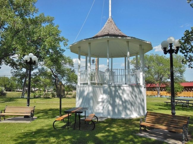 Edgemont City Park Bandstand / Gazebo image. Click for full size.