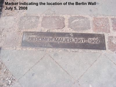 Remains of the Berlin Wall image. Click for full size.