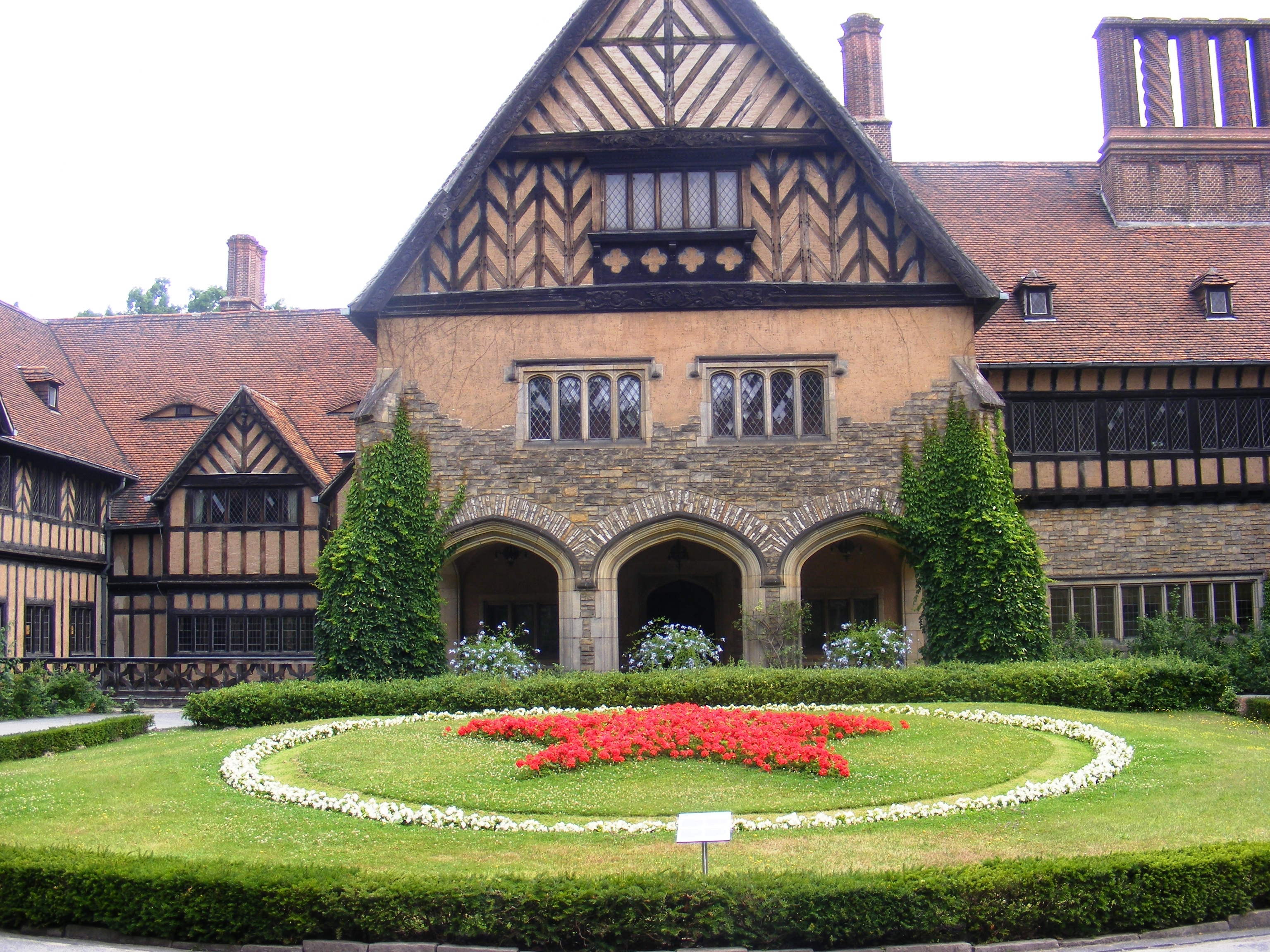 Cecilienhof Palace-inside the courtyard