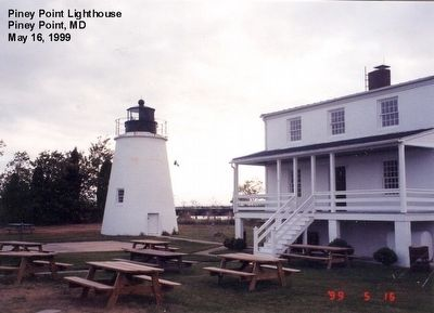 Piney Point Lighthouse and Keepers House image. Click for full size.