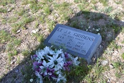 Headstone of Lt. James Richard Giddens image. Click for full size.