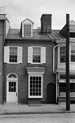 Colonial Bakery Building c. 1960 image. Click for full size.