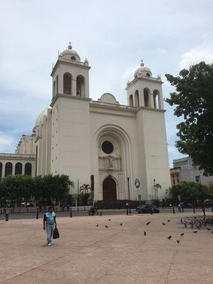 The Metropolitan Cathedral of San Salvador image. Click for full size.