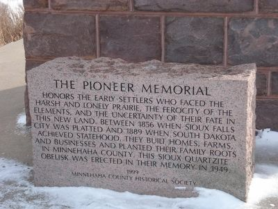 The Pioneer Memorial Block image. Click for full size.