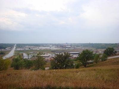 View of Sioux Falls from the Amidon Marker site image. Click for full size.