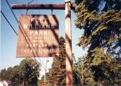 Sign at the entrance to Fort Williams Park image. Click for full size.