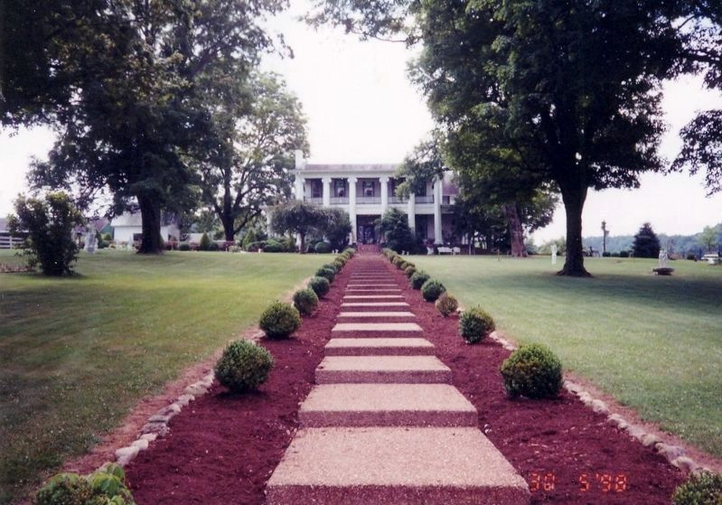 Loretta Lynn Mansion image. Click for full size.
