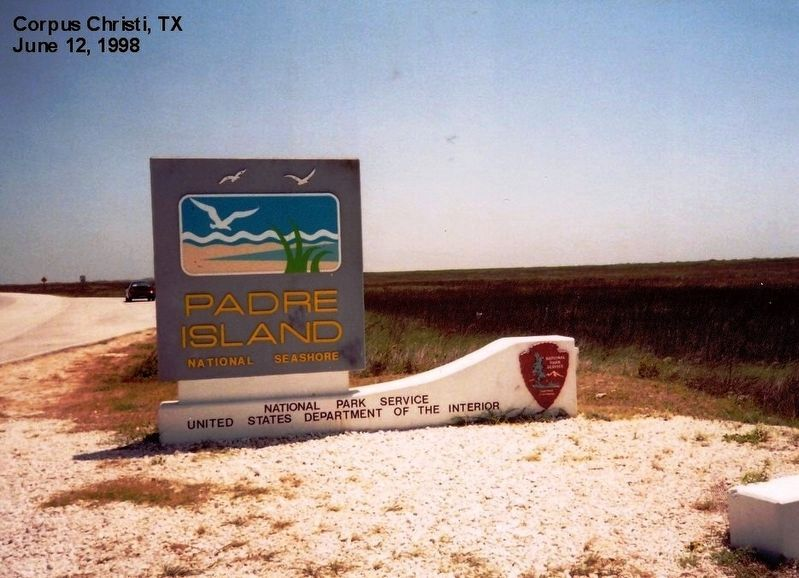 Sign at the entance to Padre Island National Seashore image. Click for full size.