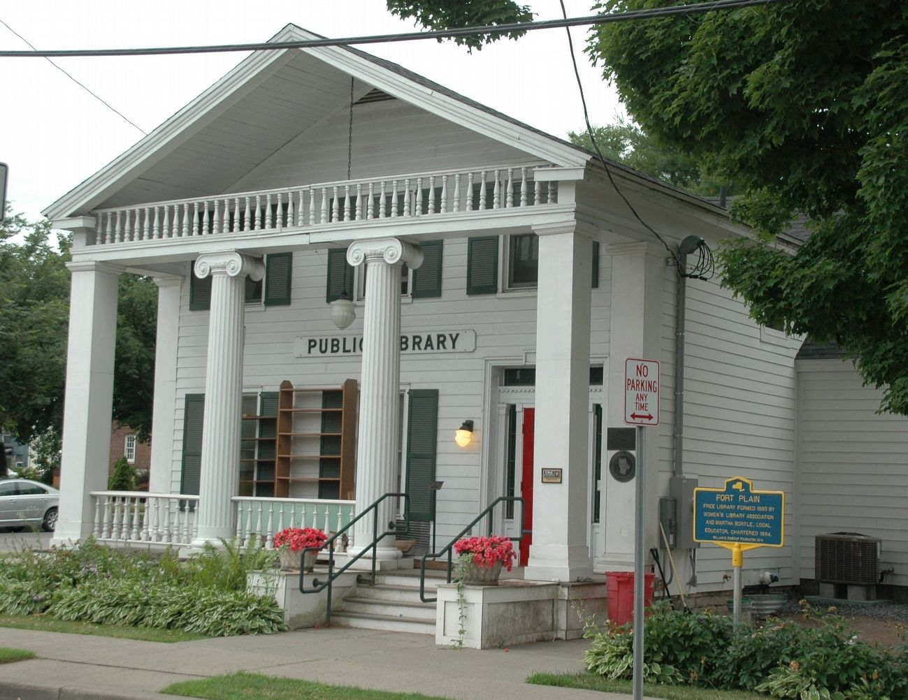 Fort Plain Free Library & Marker image. Click for full size.