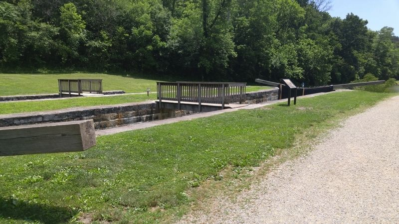 Lock 44 image. Click for full size.