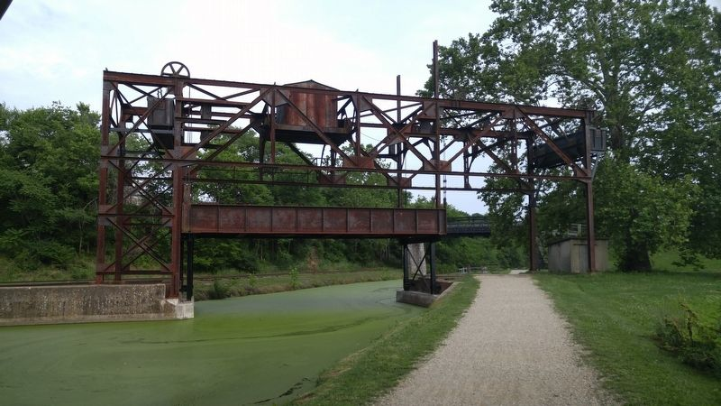 Railroad Lift Bridge image. Click for full size.