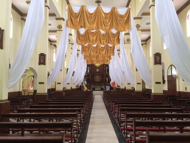 Interior of the Cuilapa Cathedral image. Click for full size.