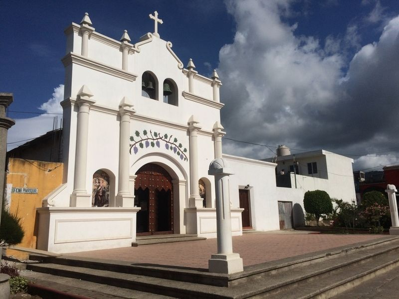 Santo Tomás Milpas Altas Catholic Church image. Click for full size.