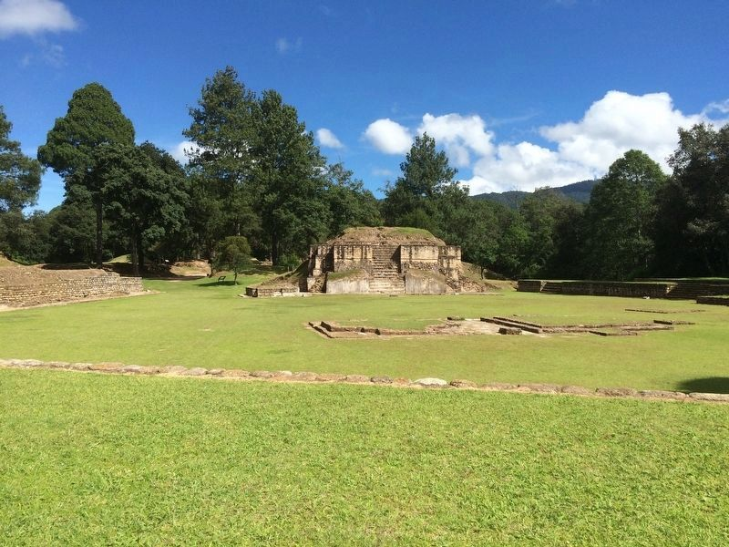 A wide view of Plaza A of Iximche from Sotz'il Palace. image. Click for full size.