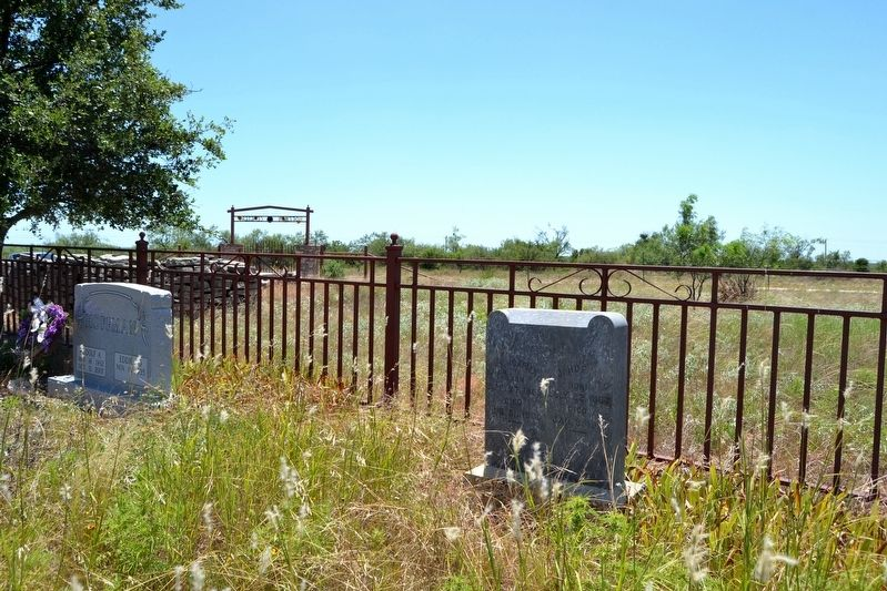 Hoffman Family Cemetery Plot image. Click for full size.