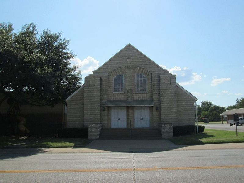 First Baptist Church of Kaufman image. Click for full size.
