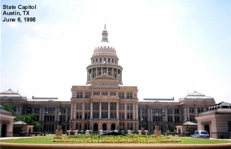 Texas State Capitol Building-north side image. Click for full size.