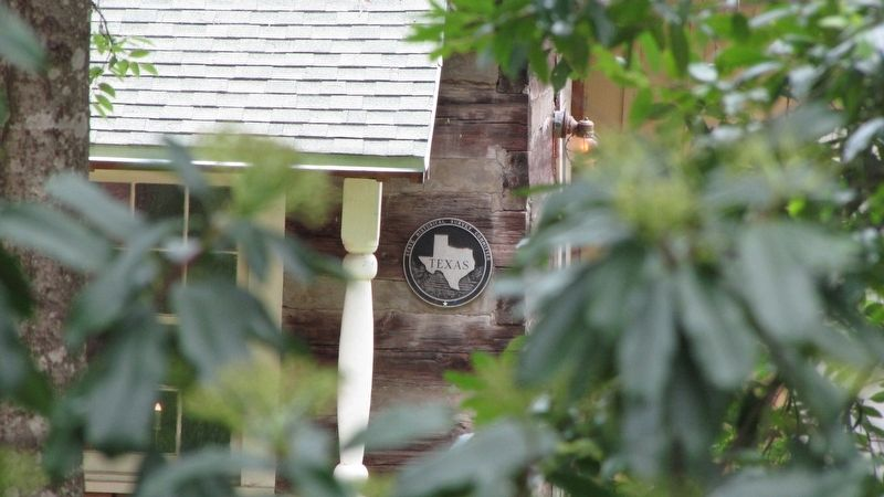 Trammel's Trace Cabin with medallion image. Click for full size.
