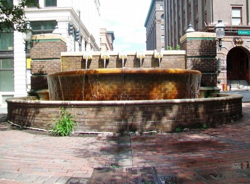 8th Street Fountain (west side) image. Click for full size.