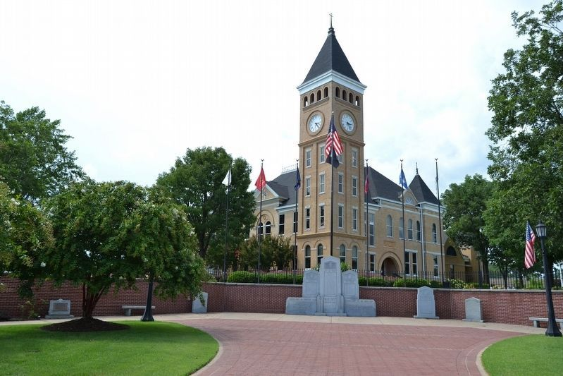 Memorials at Saline County Courthouse image. Click for full size.
