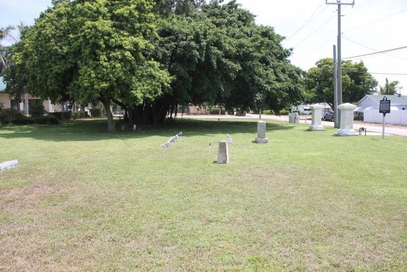 Evergreen Cemetery Marker and graves image. Click for full size.