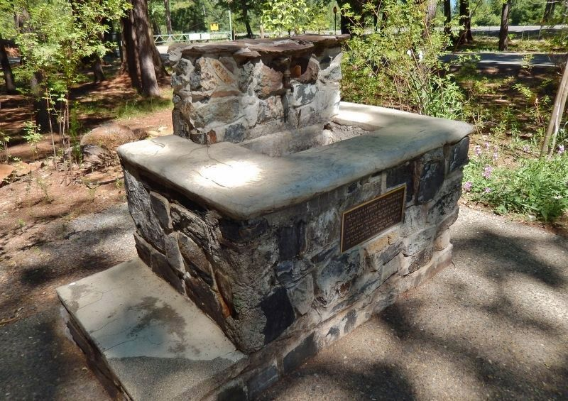 Fountain Fire Namesake Marker (<i>side view</i>) image. Click for full size.