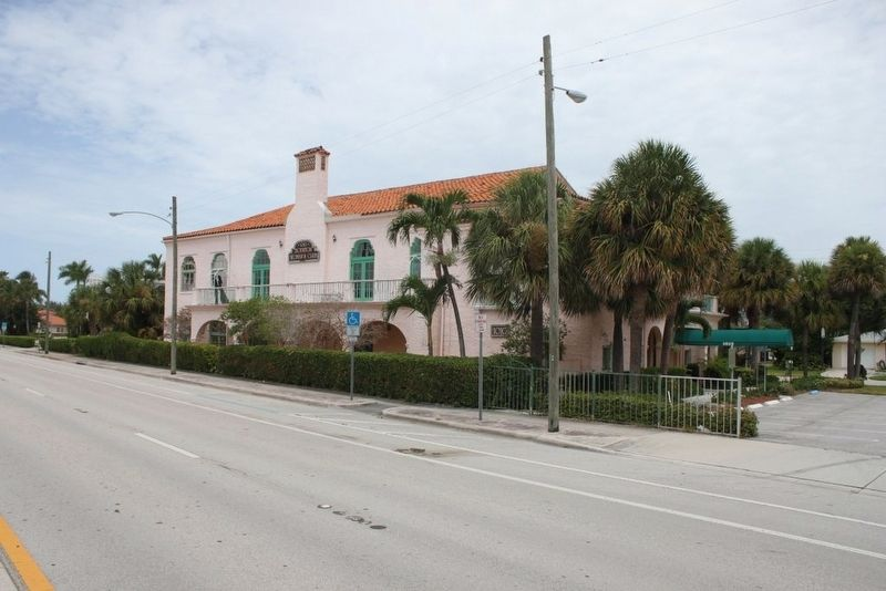Boynton Woman's Club Marker and building from median of US 1. image. Click for full size.