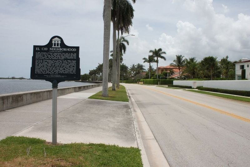El Cid Neighborhood Marker looking south on South Flagler Drive image. Click for full size.
