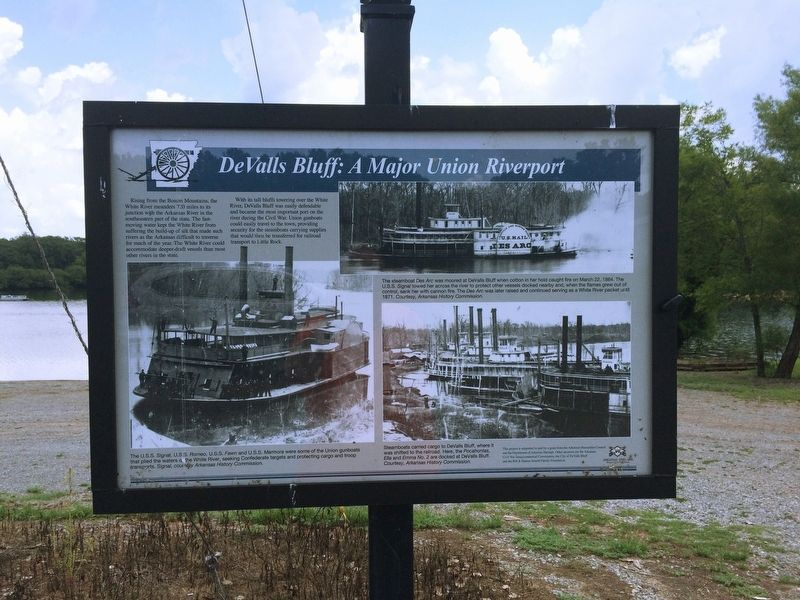 DeValls Bluff: A Major Union Riverport Marker image. Click for full size.