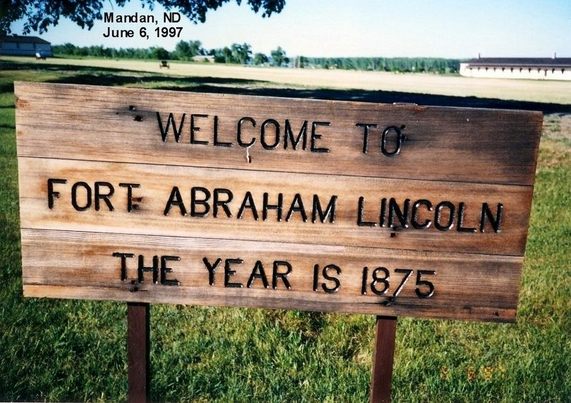 Sign at the entrance to Fort Abraham Lincoln image. Click for full size.