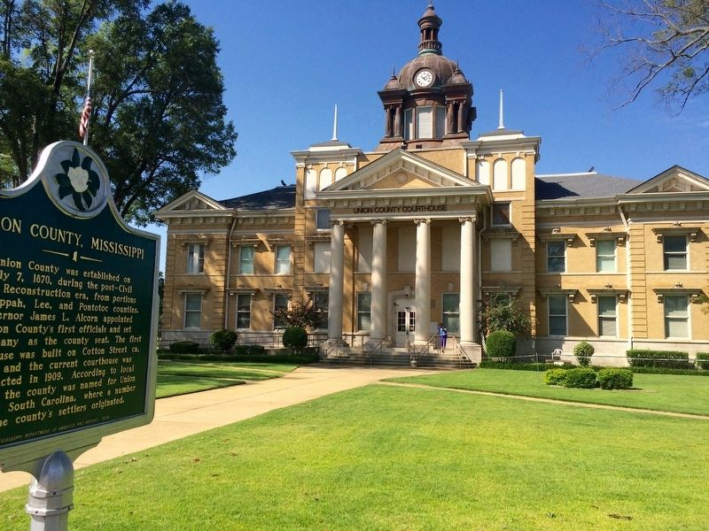 Union County Courthouse & Marker. image. Click for full size.