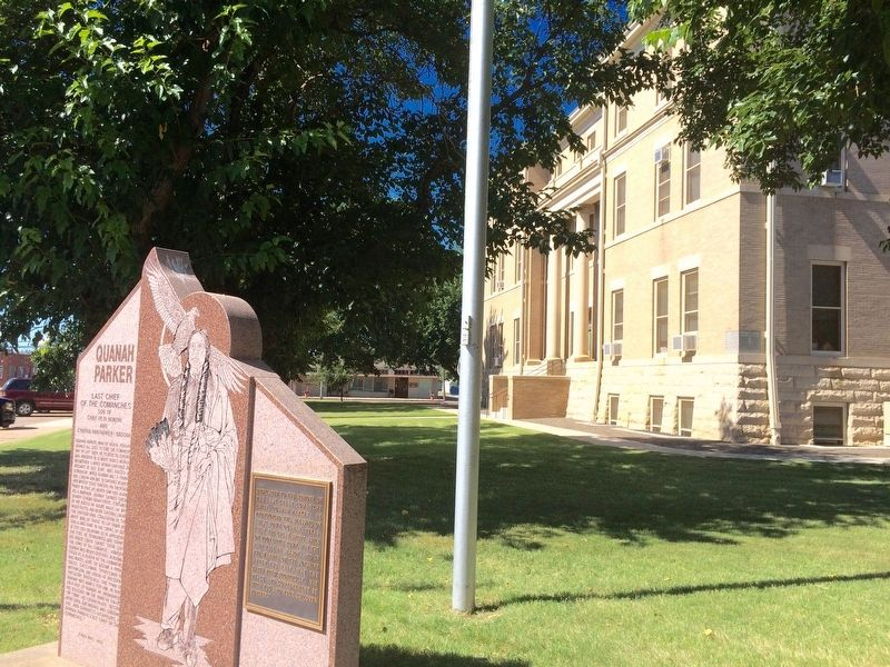 Quanah Parker Marker at corner of Hardeman County Courthouse. image. Click for full size.
